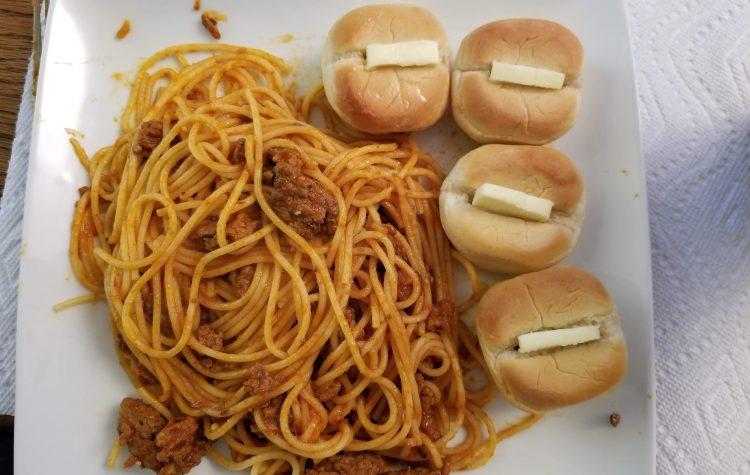 spaghetti - rolls